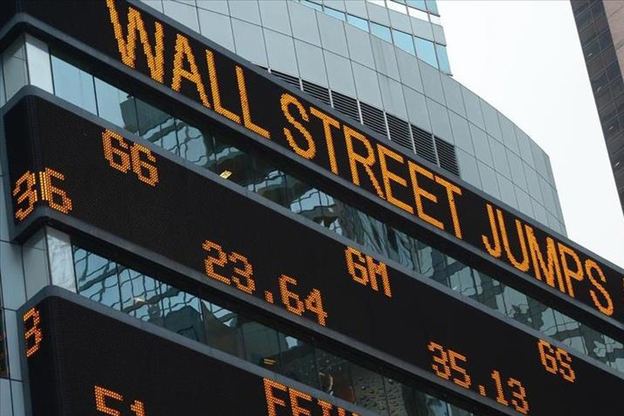 US stocks end at record highs