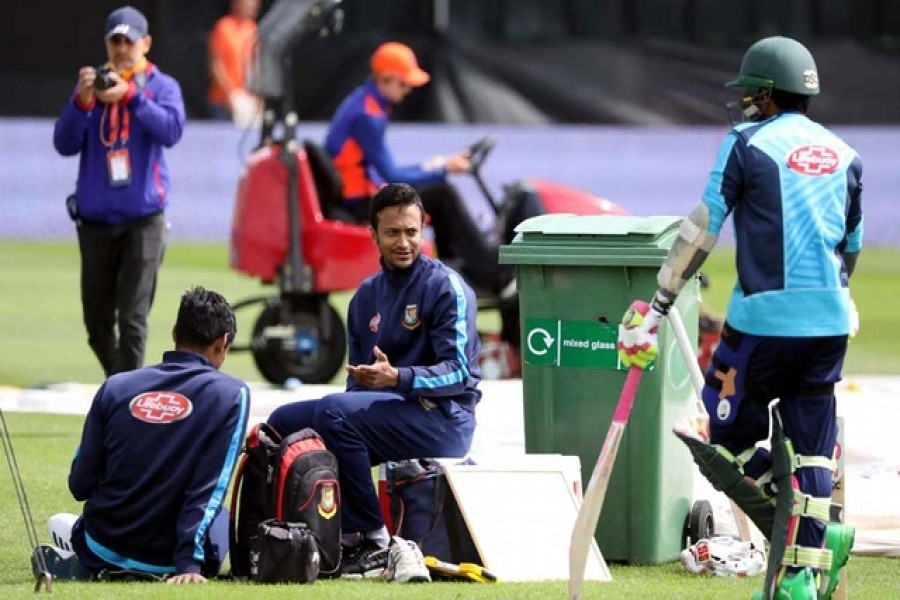 Shakib injured, uncertain against Sri Lanka