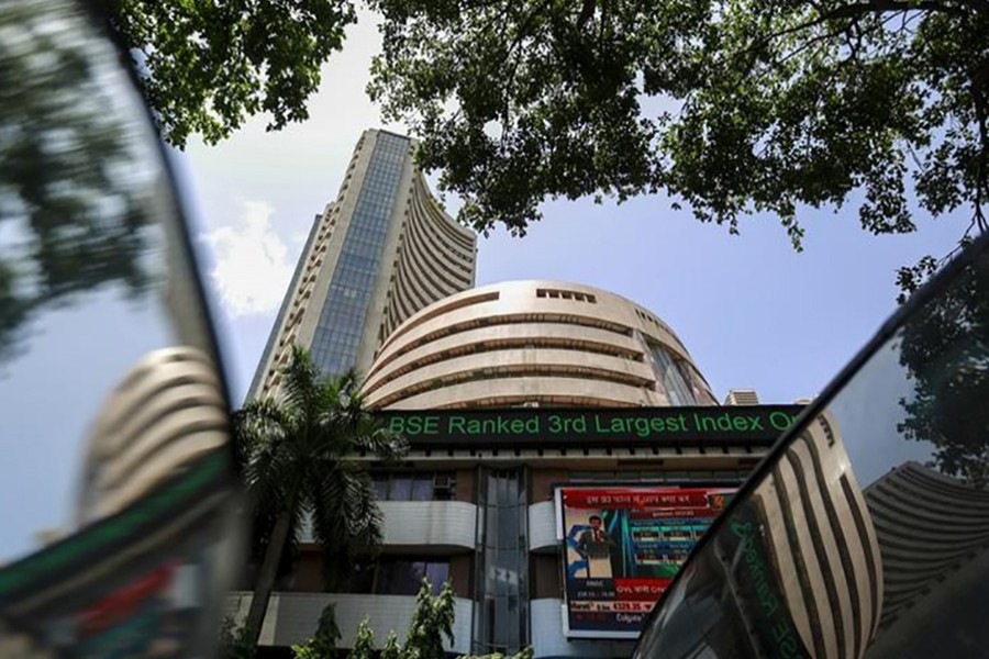 Indian shares fall for third straight day