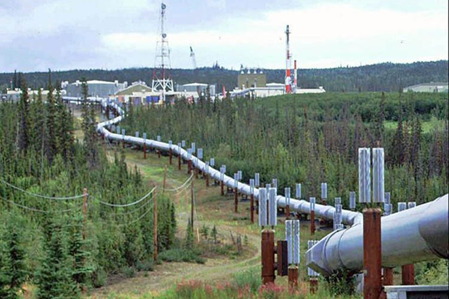 Govt plans another pipeline to import LNG from India