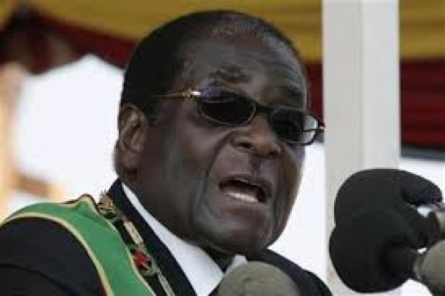 Zimbabwe's President Robert Mugabe attends the swearing-in ceremony of his Mozambican counterpart Armando Guebuza for a second term in office in the capital Maputo, January 14, 2010. Reuters/Files