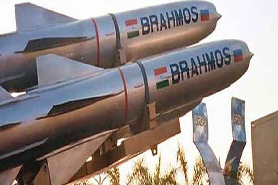 India test-fires two BrahMos missiles