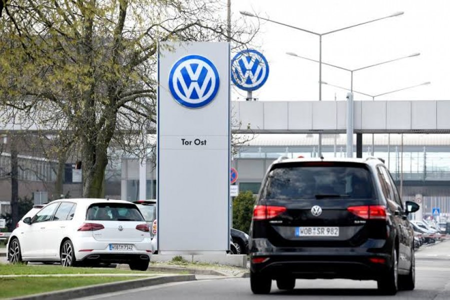 FILE PHOTO: The logo of Volkswagen is seen at their plant in Wolfsburg, Germany, April 12, 2018. REUTERS/Fabian Bimmer/File Photo
