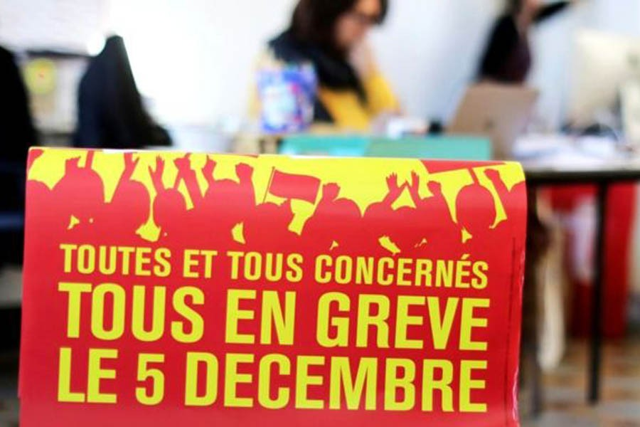 France paralysed by biggest national strike in years