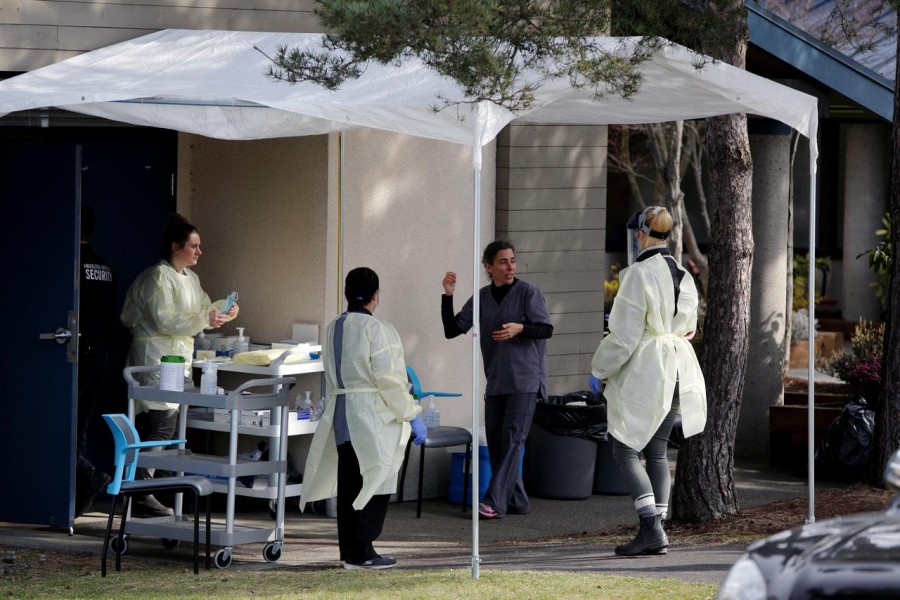Medical staff prepare for assessing people for novel coronavirus disease (COVID-19) at the public Victoria Health Unit in Victoria, British Columbia, Canada March 17, 2020. REUTERS/Kevin Light