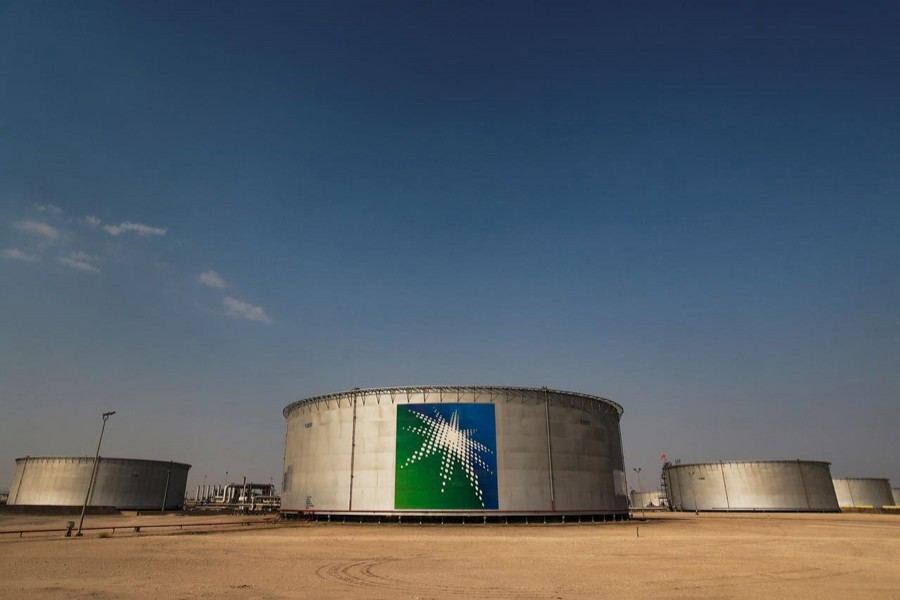 Price war of oil poised to escalate