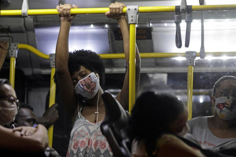 Passengers wearing protective face masks travel on a public bus during the coronavirus disease (COVID-19) outbreak, in Rio de Janeiro, Brazil on April 29, 2020 — Reuters photo