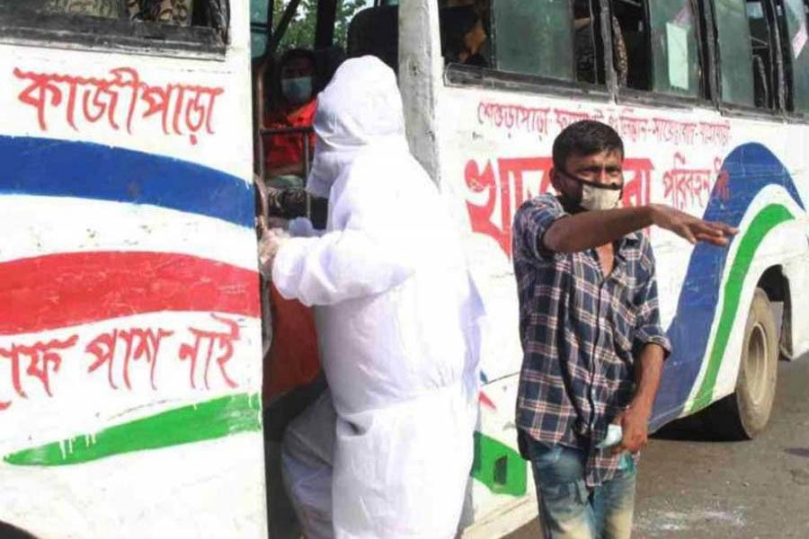 Obaidul Quader warns against charging extra fare