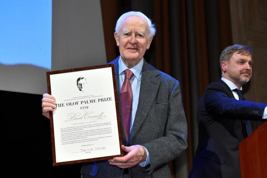 Author David Cornwell, also known by the pen name John Le Carre, receives Olof Palme Prize at a ceremony in the Grunewaldsalen concert hall in Stockholm, Sweden January 30, 2020. Claudio Bresciani/TT News Agency/via REUTERS
