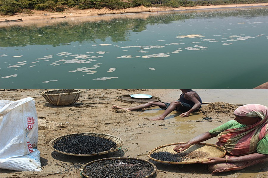 Polluted water of the Sari river at Jaintapur of Sylhet (top) and local poor women collect coal dust from the riverbed for livelihoods — FE Photo