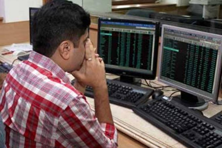 Stocks edge up after bumpy ride on Tuesday