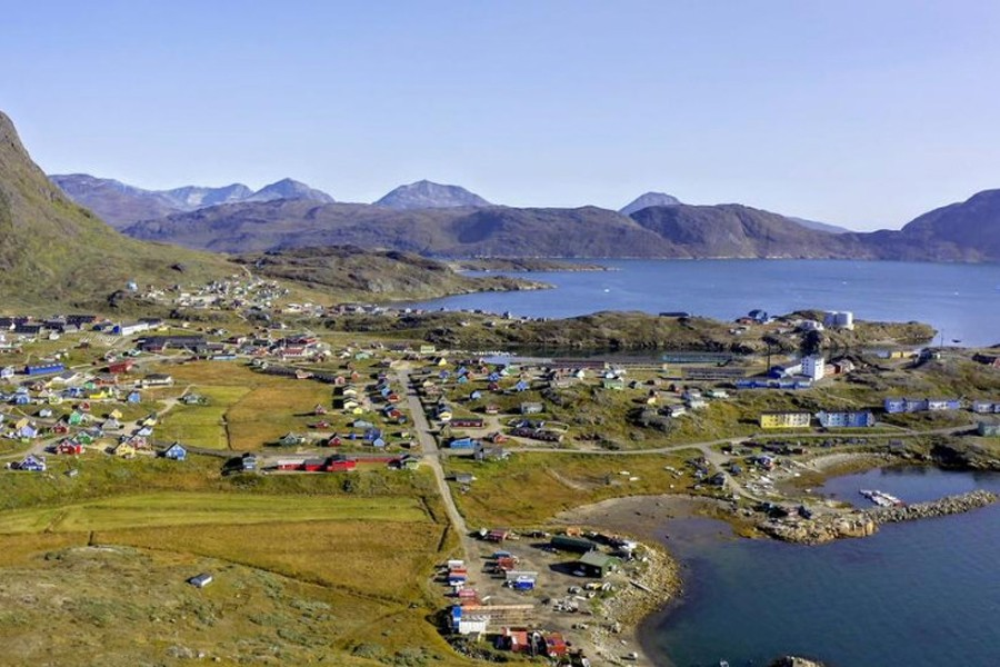 Arctic island finds green power can be a curse
