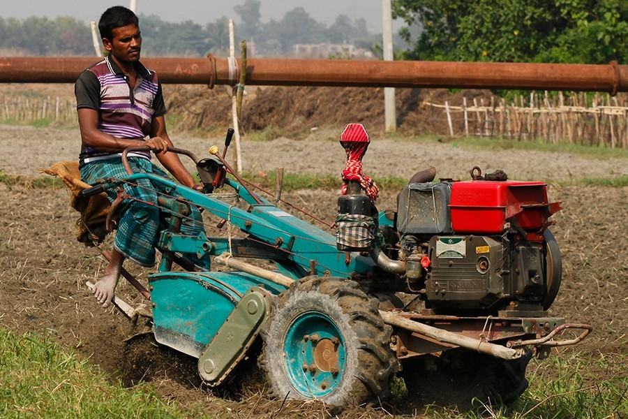 Govt distributing 5,776 farming machines this FY