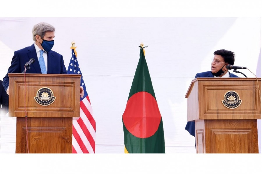 Kerry reaffirms US commitment to working closely with Bangladesh on climate change