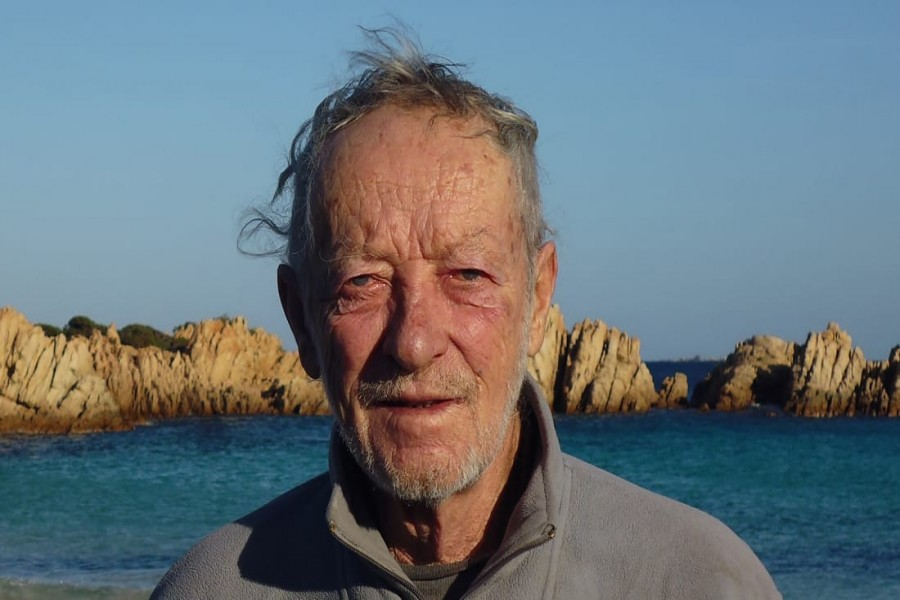 Hermit alone on island leaves after 32 years