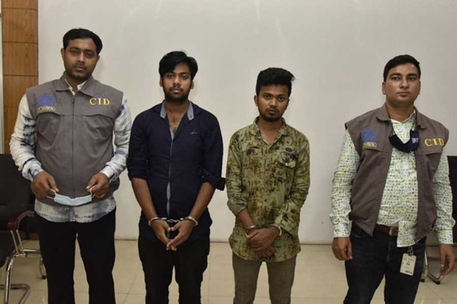 Two arrested for embezzling money by providing fake Australian visas