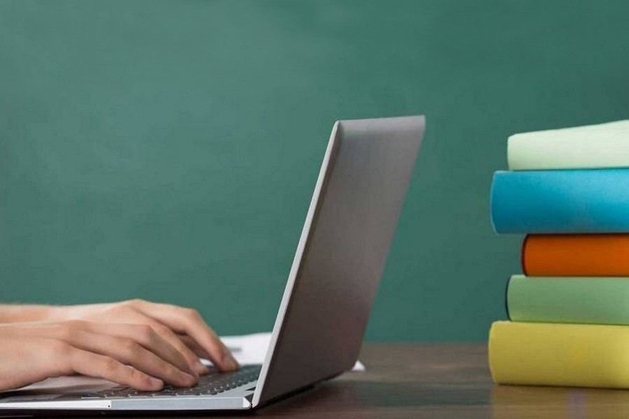 Over 80pc undergrad students face difficulties in online classes