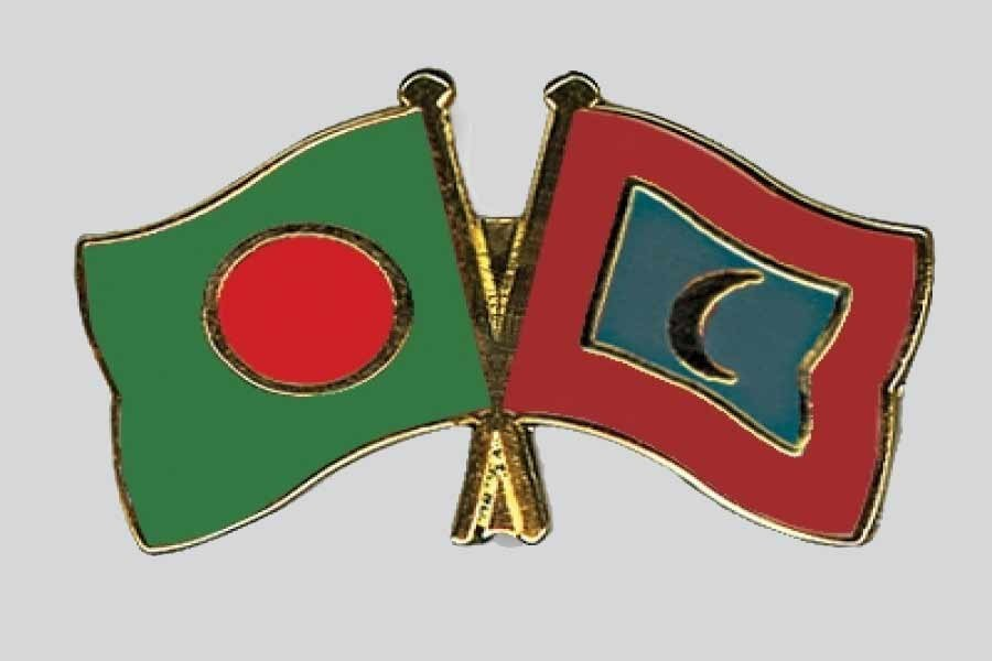 Maldives to issue driving licence for Bangladeshis without a test
