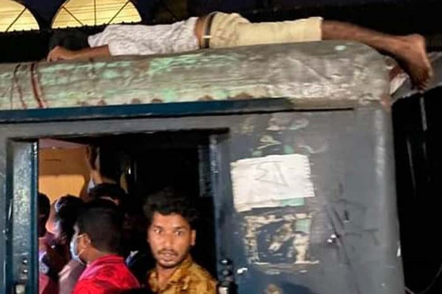 Two stabbed to death in Jamalpur train robbery