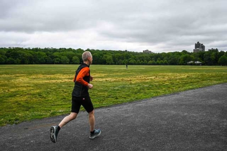 Age doesn't slow metabolism, but lifestyle does: Study