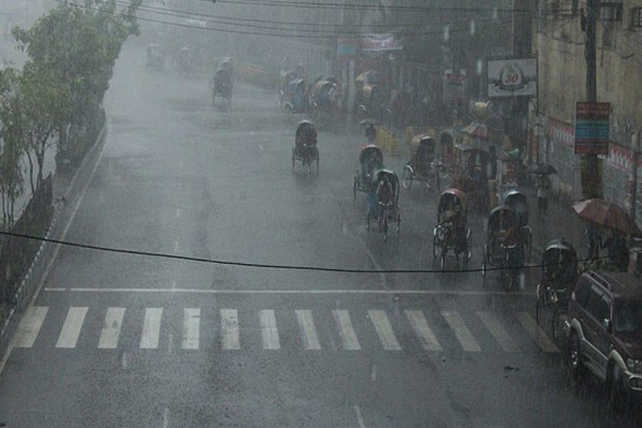 heavy rainfall likely in five divisions landslide alert issued