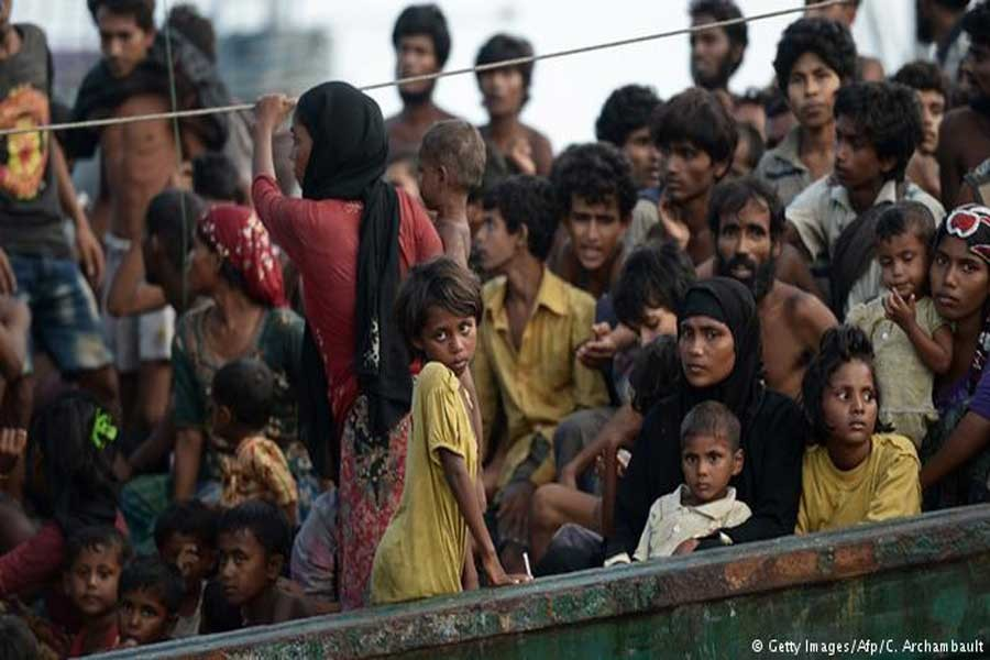 Migrant children at risk of trafficking, warn UN experts