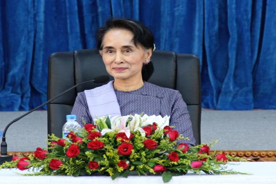 UK foreign secy Johnson warns Suu Kyi over Rohingya treatment