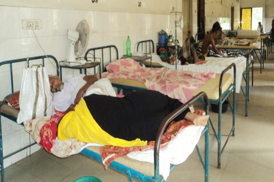 Patients of Bagatpara Health Complex getting poor service
