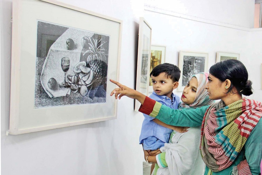 A painting exhibition at Zainul Gallery of Fine Arts Institute of Dhaka University. — FE File Photo