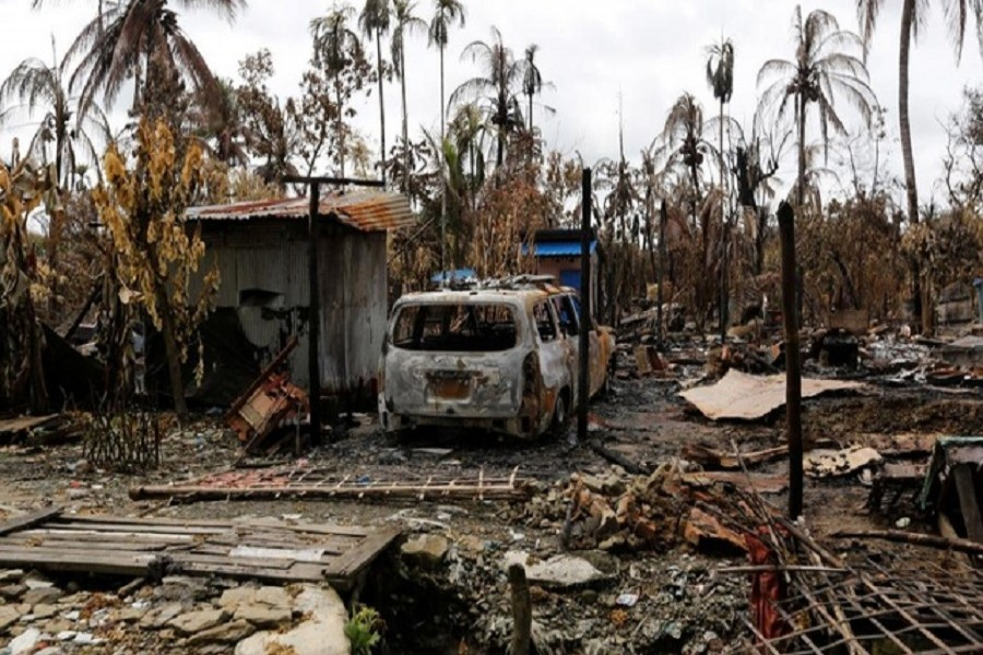 Human rights groups using satellite images have said that about half of more than 400 Rohingya villages in the north of Rankine state have been burned in the violence. Reuters/Files