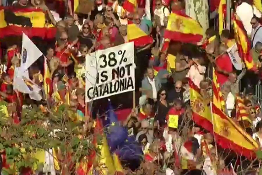 Catalonia for Spanish unity, huge rally begins