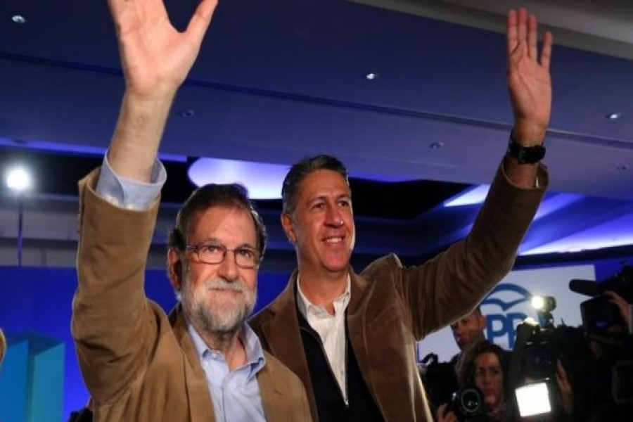 PM Mariano Rajoy (L) joined the leader of his PP party in Catalonia for campaigning on Sunday