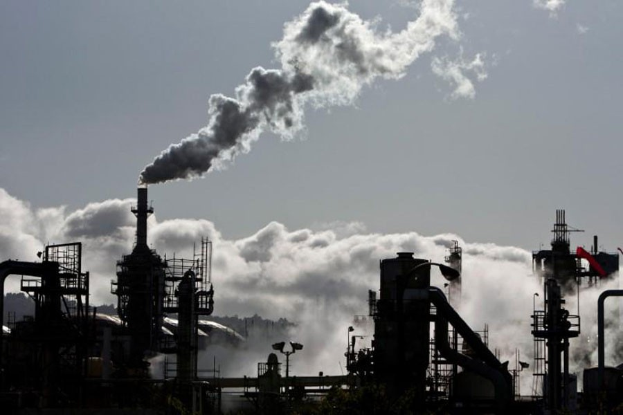 African-Americans confront more pollution than white Americans: Report