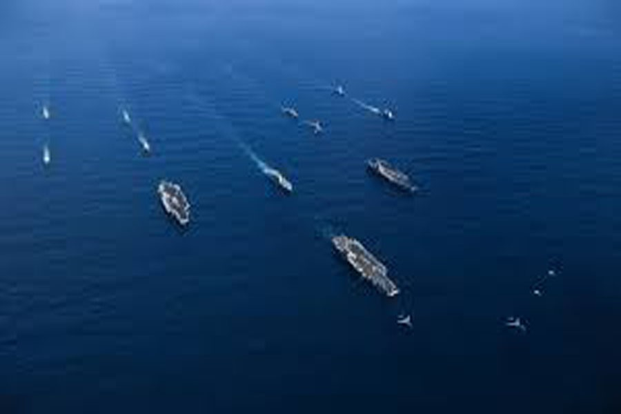 The US Navy ended President Donald Trump's trip to Asia, from November 03-13, with a bang by having three aircraft carriers drill with South Korean and Japanese navy ships in the Pacific in a clear message to North Korea. —Photo: US Navy