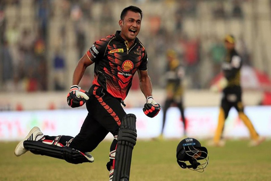 Khulna Titans' Ariful Haque celebrates after winning the match against Rajshahi Kings in the 5th BPL T20 at the Sher-e-Bangla National Cricket Stadium at Mirpur in the city on Tuesday.— bdnews24.com