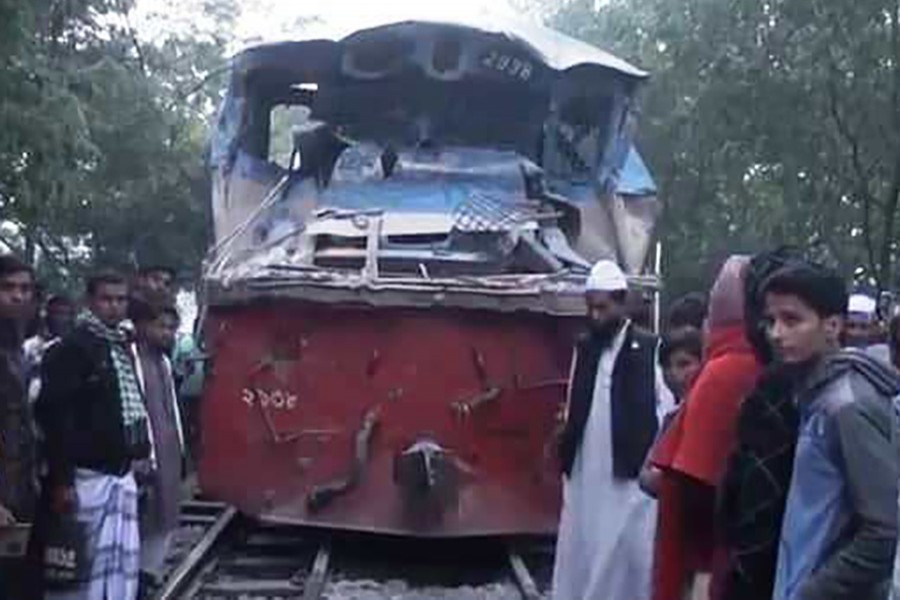 The rail link of the country's northern region with capital Dhaka was disrupted for six hours following the accident that took place at 2:00am. - UNB photo