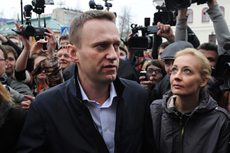 Putin gets a challenger ahead of presidential polls