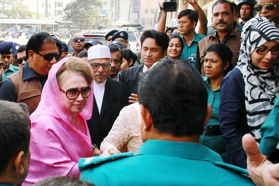 BNP Chairperson Khaleda Zia appears before a Dhaka court in the Zia Orphanage Trust and Zia Charitable Trust graft cases on Wednesday. -Focus Bangla Photo