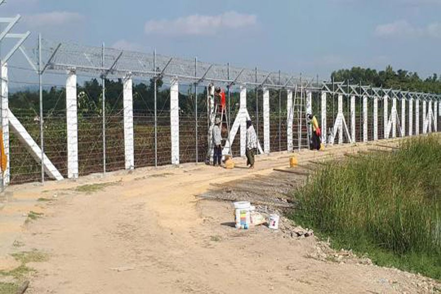 Myanmar upgrades boarder fence with Bangladesh