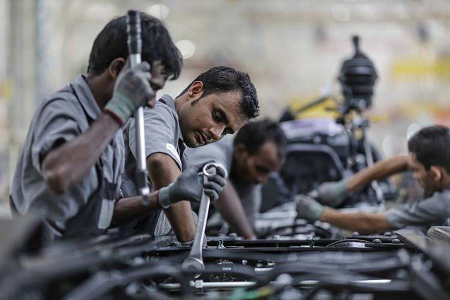 India's manufacturing PMI hits 5-year high