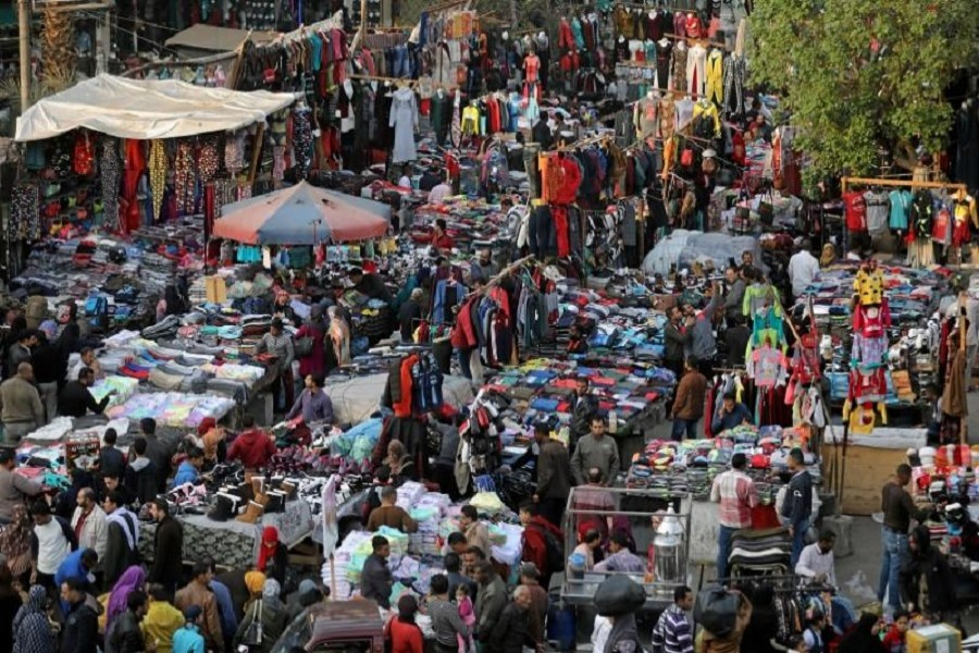 People shop at Al Ataba, a popular market in downtown Cairo, Egypt December 12, 2017. Reuters