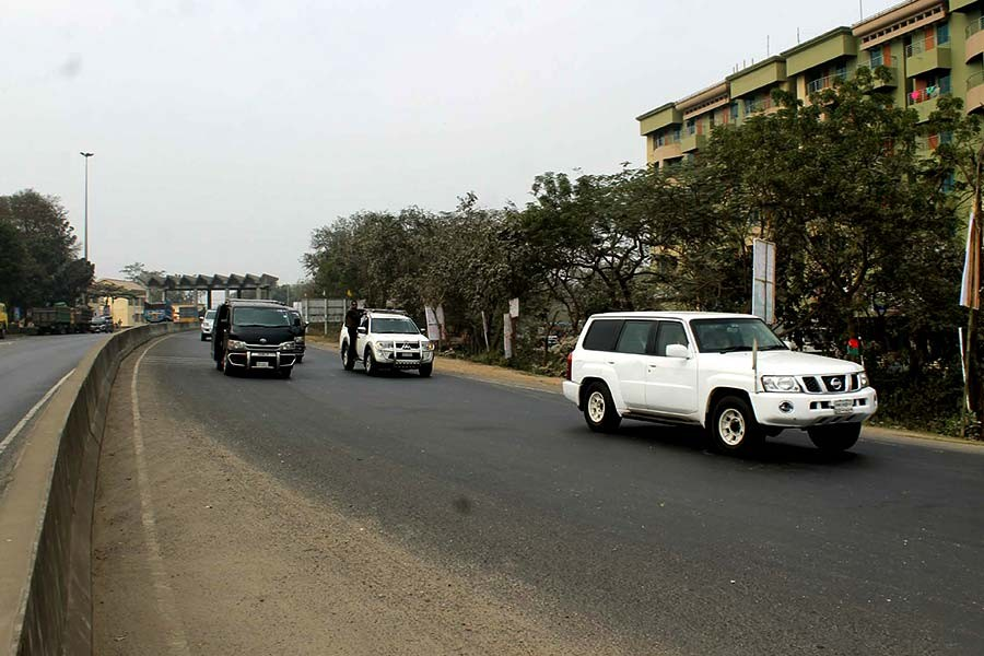 The motorcade of BNP chairperson Khaleda Zia in Brahmanbaria district area on the way to Sylhet on Monday. -Focus Bangla Photo
