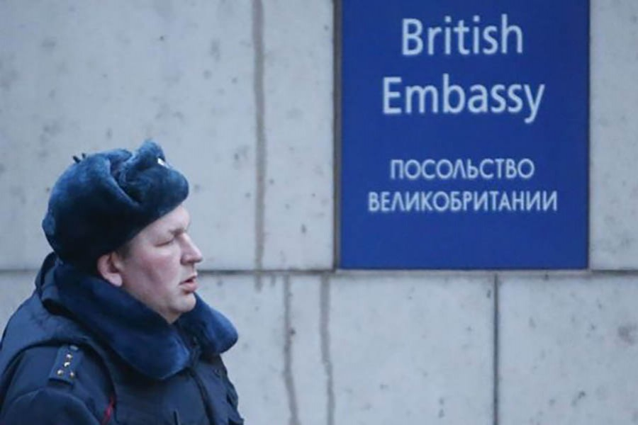 Moscow to retaliate by expelling British diplomats