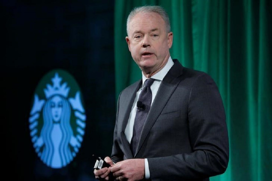 Starbucks chief executive apologises  for arrests of two black men
