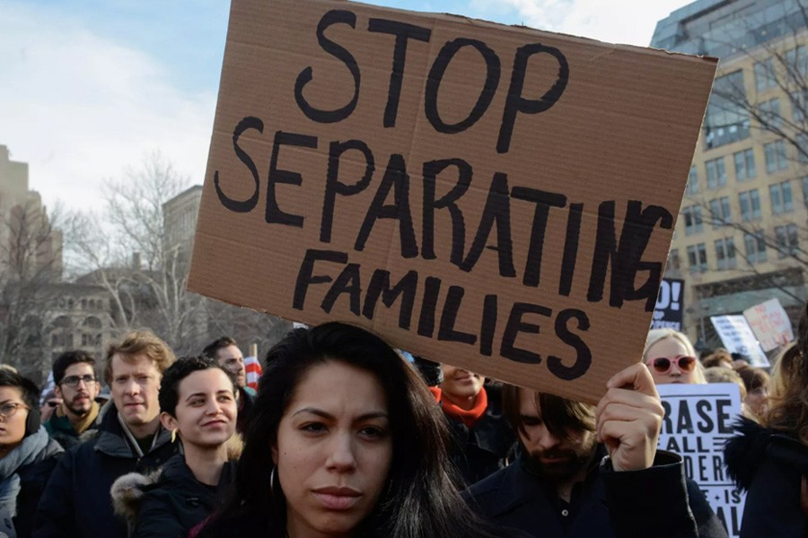 New Yorkers protest against the Trump administration's new immigration policies and accompanying ICE raids, February 11, 2017. Reuters.