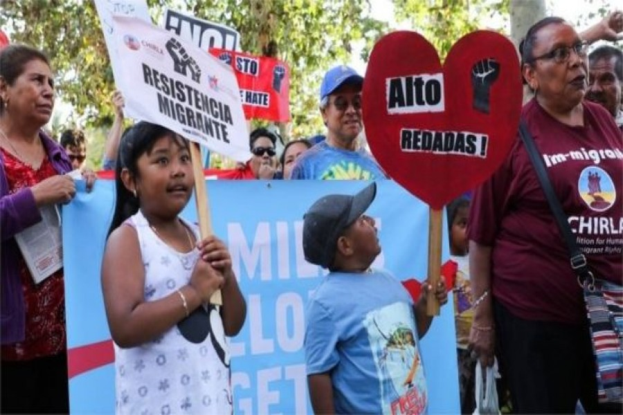 2,000 migrant children separate from families in US border