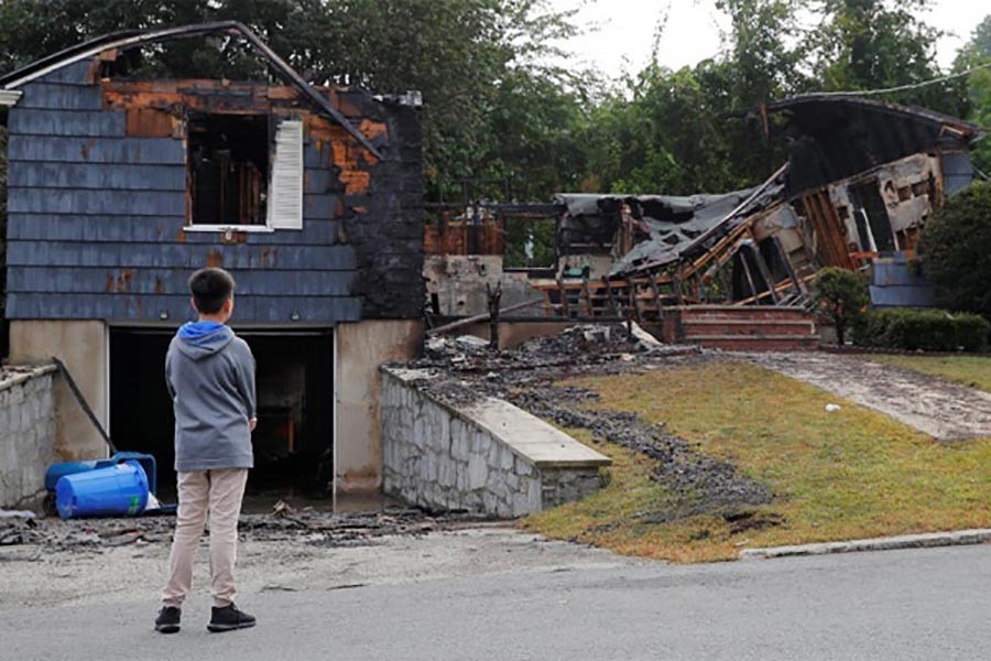 Gas explosions drive thousands from homes in Boston