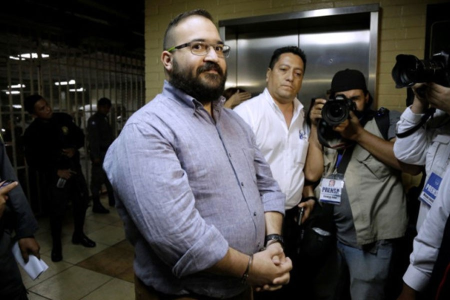 Javier Duarte de Ochoa, former governor of Mexican state Veracruz, looks on while while arriving for a court appearance for extradition proceedings in Guatemala City, Guatemala July 4, 2017 – Reuters