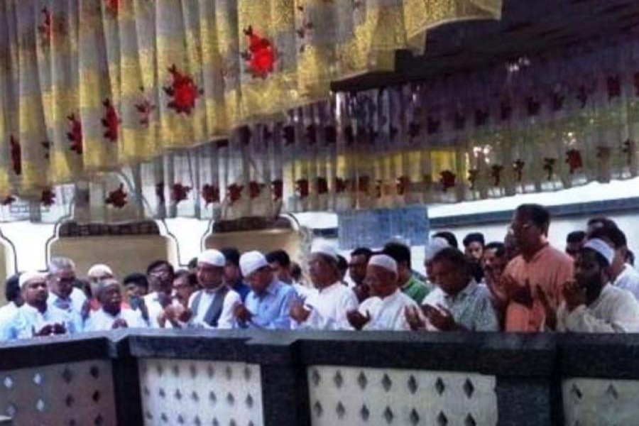 Oikyafront leaders visit Sylhet shrines before rally