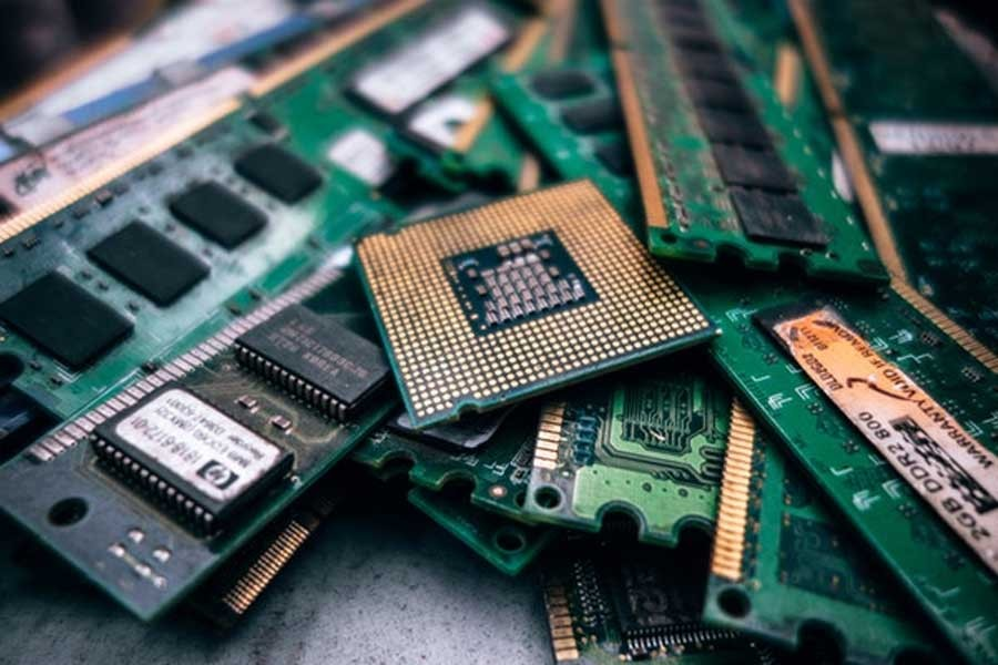 E-waste management in the age of robotics